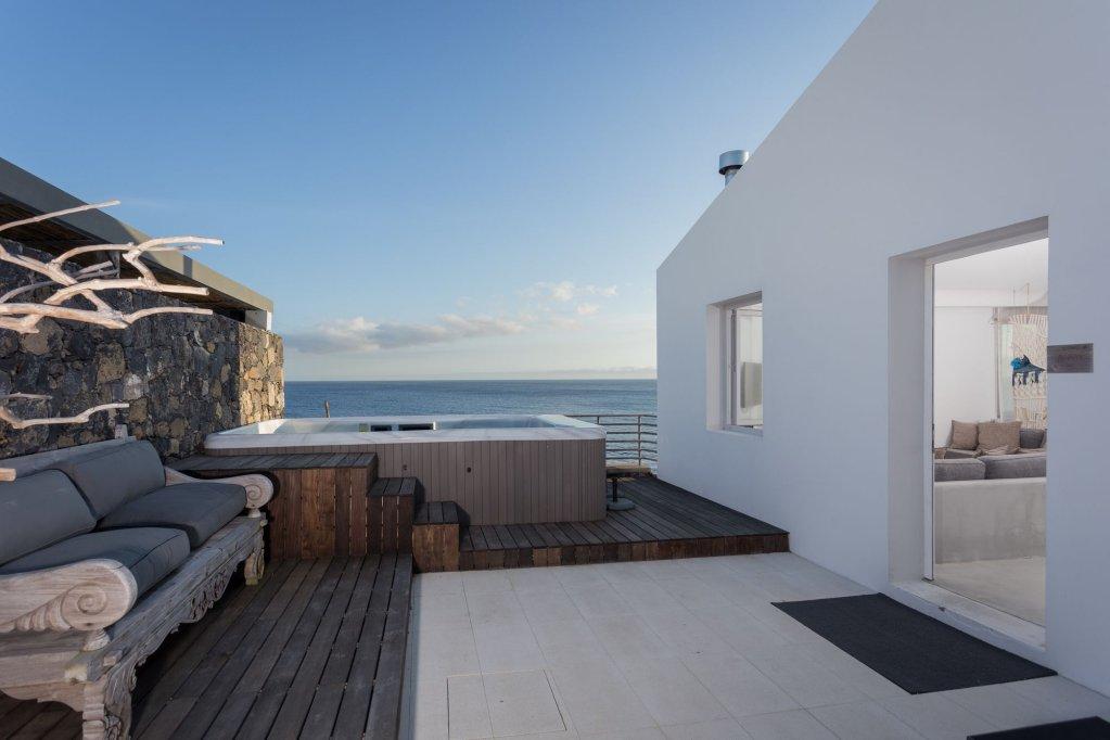 White Exclusive Suites & Villas, Lagoa Image 23