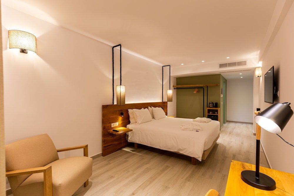 Eleals Hotel, Perama, Corfu Image 0